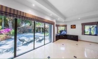 Jomtien, 4 Bedrooms Bedrooms, ,4 BathroomsBathrooms,House,House For Rent,1142